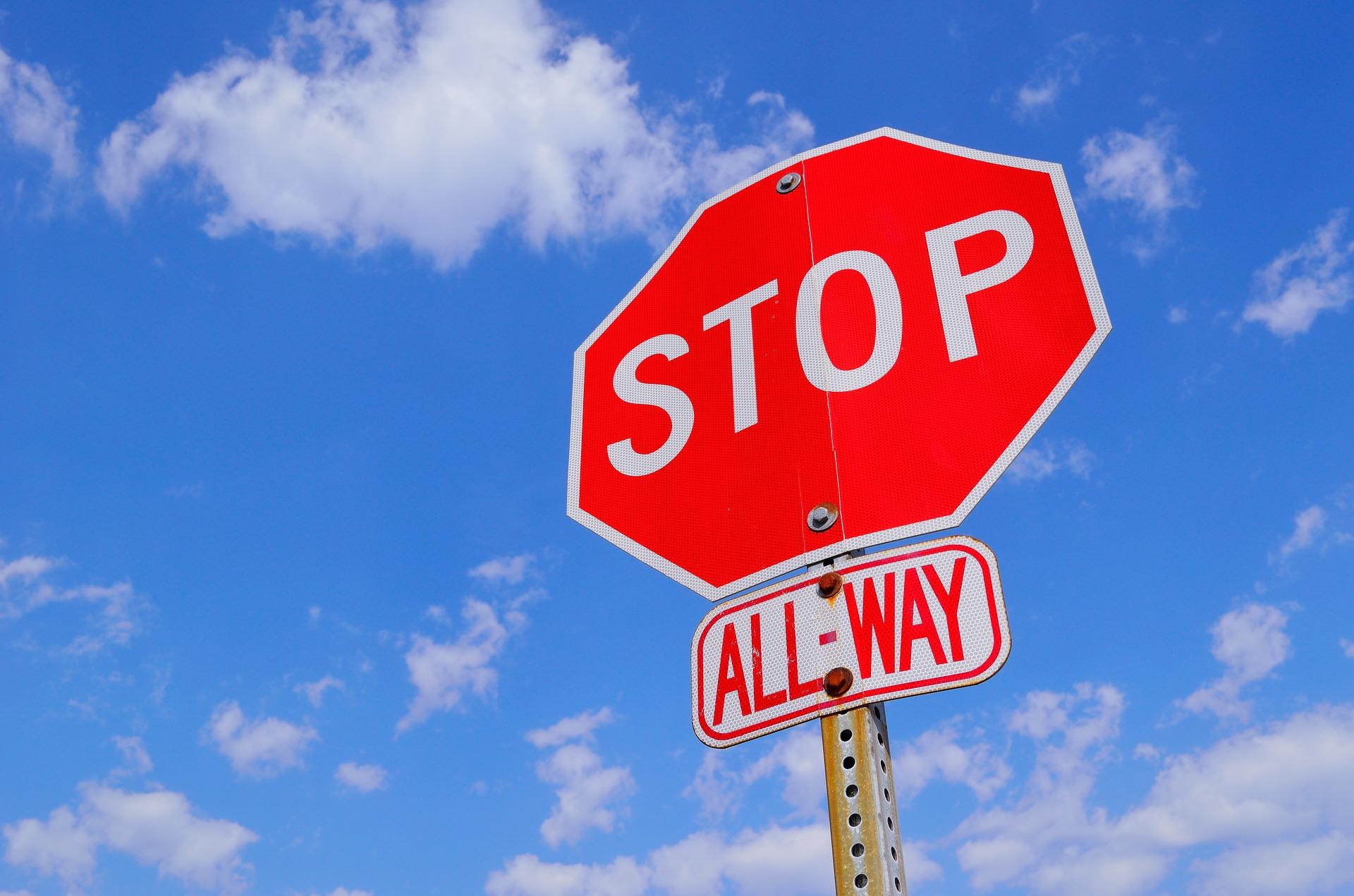 stop-sign-1174658_1920.jpg